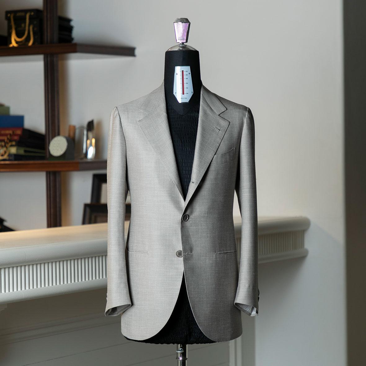画像 スーツ01