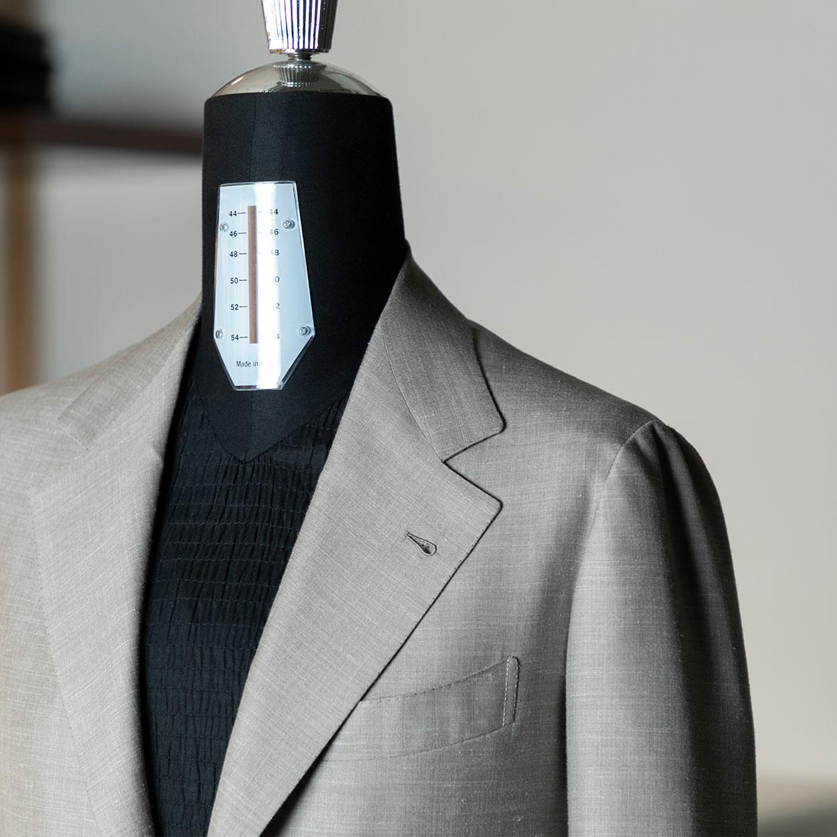 画像 スーツ02